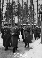 ******** Visit of the bulgarian king Boris III. and the prime minister Bogdan Filow at Hitlers headquarters 1942/03/26. from the left in front: Boris III., Adolf Hitler  second row: Schaub,  Guensche