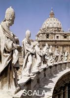******** View of the statues on the left of the square and the dome of St. Peter's