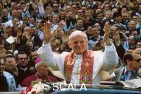 ******** The first trip of John Paul II in Poland. The Pope in Warsaw